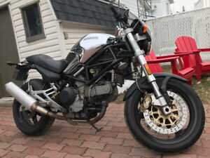 Moto Ducati M900ie Cromo 2001