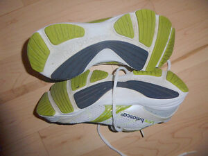'New Balance' running shoes, women's 7.5, gently used Kitchener / Waterloo Kitchener Area image 2