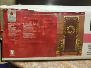 NEW IN BOX CHRISTMAS WREATH TREES AND GARLAND SET