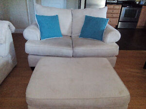 Beautiful Microfiber Loveseat and Ottoman – Pick Up Only