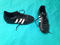 Adidas Soccer Cleats Size 6 Kids/ 8 Womens