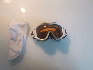 White Uvex Snow Goggles  (Used)