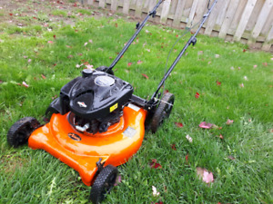 Tondeuse Ariens 6.75HP 2014, BESOIN D'AMOUR!