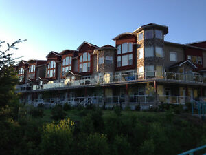 Waterfront Luxury Condo in the Shuswap