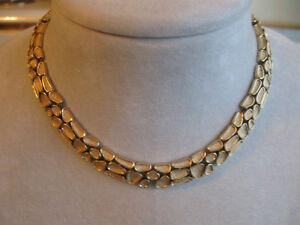 GORGEOUS OLD VINTAGE HEAVY SOLID DECORATIVE JOINTED METAL CHOKER