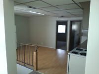 LARGE One Bedroom w/ Storage & Parking & Yard- Off Nortre Dame