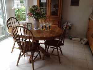 MAPLE BUFFET TABLE & 4 CHAIRS