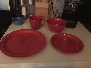 Set de vaisselles ROUGE