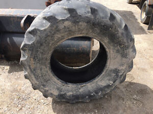 19.5 24 backhoe tire