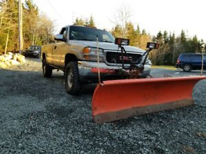 2001 Gmc 2500hd 6.6L Diesel with 8' Artic straight blade plow