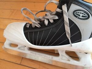 Goalie Skates Size 6 CCM St. John's Newfoundland image 3