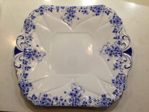 """Shelley """"Dainty Blue"""" Squared handled cake plate"""