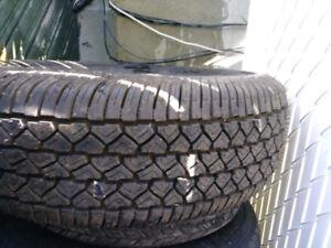 1x pneu hiver 205/70R14 Neuf jamais installer