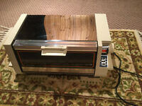 Toaster Oven  : ( Bake/Broil/ Toast )