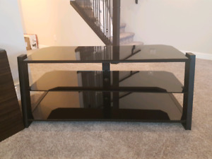 Like New TV Stand / Entertainment Unit