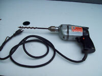 1-PERCEUSE-DRILL ELECT,BLACK AND DECKER,VINTAGE.