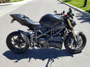 2013 Ducati Streetfighter 848 with lots of upgrades. RTR