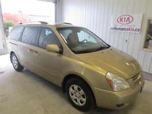 2009 Kia Sedona LX at