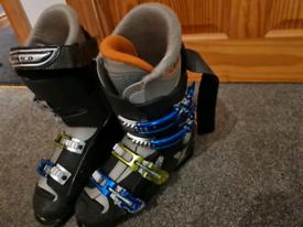 Salmon ski boots