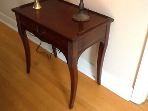 Solid Wood End Table West Island Greater Montréal image 5