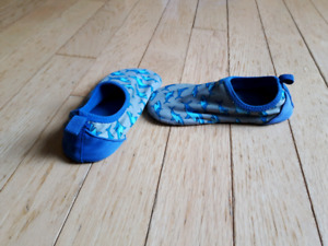 Toddler size 7/8 water shoes