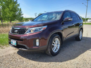2015 Kia Sorento LX V6 with 3rd Row Seating