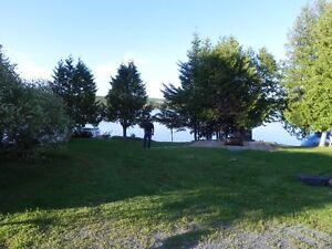 A la recherche d'un chalet ou Maison a louer au Lac Baker