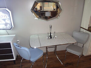 Small Dining Table w 2 Chairs - Retro *NEW PRODUCT*