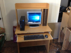 I GOT A ACER COMPUTER AND DESK FOR SALE