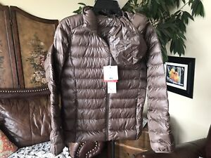 Uniqlo Women's Ultralight Hooded Down Jacket  -pouch, Brown, S
