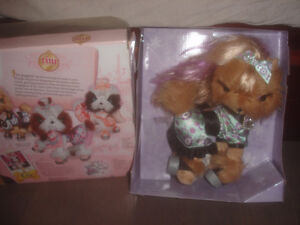 SPIN-MASTER-TINI-PUPPINI-TOFFEE DOG-PUP-DRESSED-BEIGE-PLUSH