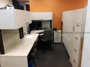 Lot de Bureaux, Classeurs, Postes de Travail, Tables, Chaises et