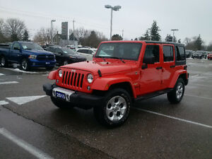 2015 Jeep Wrangler Sahara 4dr unlimited 4x4 extra clean!