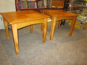 Set Of 2 Wood End Tables For Sale