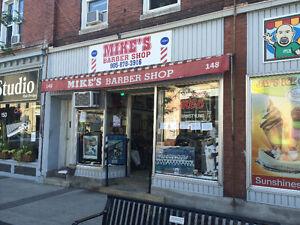 Looking for Experienced Barber/Hairstylist Oakville / Halton Region Toronto (GTA) image 1
