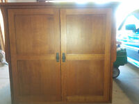 Oak T.V. Cabinet Made in Millbank, excellent condition
