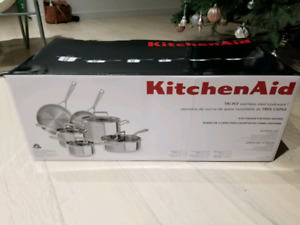 10 pieces kitchenaid try ply stainless steel cookware.