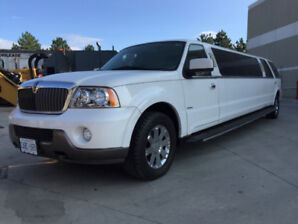 REDUCED !!!!  2004 Lincoln Navigator Limousine by Krystal Koach