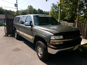 2002 Chevy Silverado Clean and Rust Free Truck!!