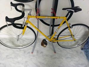 Vélo 1 vitesse 1 speed bike cadre vintage