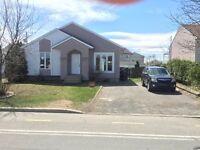 Maison à louer Ste-Marthe-Sur-Le-Lac,déneigement + gazon inclu