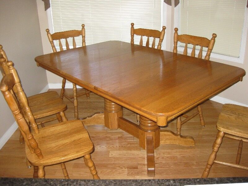 OAK DINING ROOM TABLE AND CHAIRS | Dining Tables U0026 Sets | Calgary | Kijiji