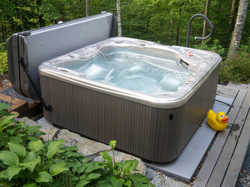 how to install hot tubs
