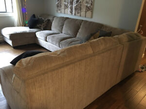Victoria. Big 3 Piece Beige Sectional Couch $800 OBO