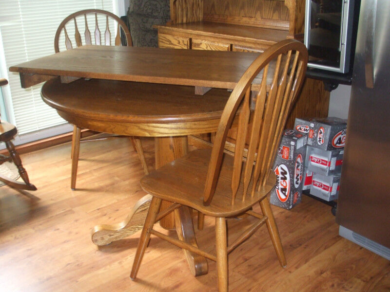 Solid Oak Table/chairs And Hutch | Dining Tables U0026 Sets | Nanaimo | Kijiji