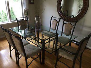 Attractive Buy Or Sell Dining Table Sets In Windsor Region Furniture Kijiji Cl