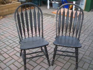 2 HARDWOOD CHAIRS STRONG GREAT CONDITION 905 442 2000 AJAX NEED