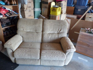 Lazy Boy Loveseat Recliner & Lazy Boy | Buy or Sell Chairs u0026 Recliners in British Columbia ... islam-shia.org