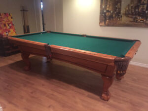 Beringer Pool Table And Accessories