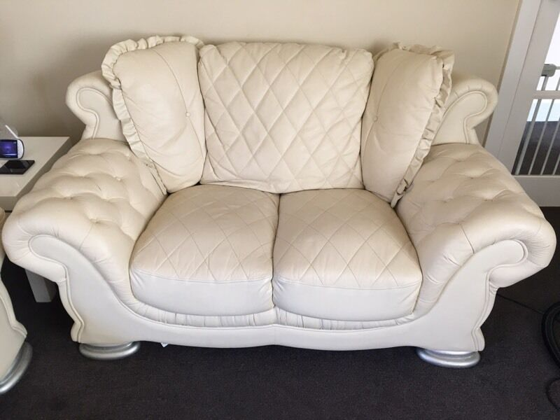 Superb Pendragon Vienna 2 3 Sofa Suite Ivory Cream Leather Chesterfield
